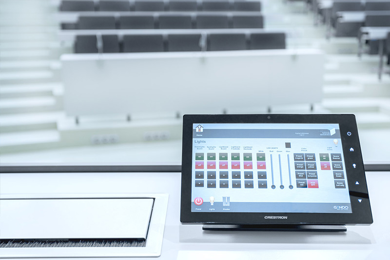 Touchdisplay zur Raum- und Mediensteuerung